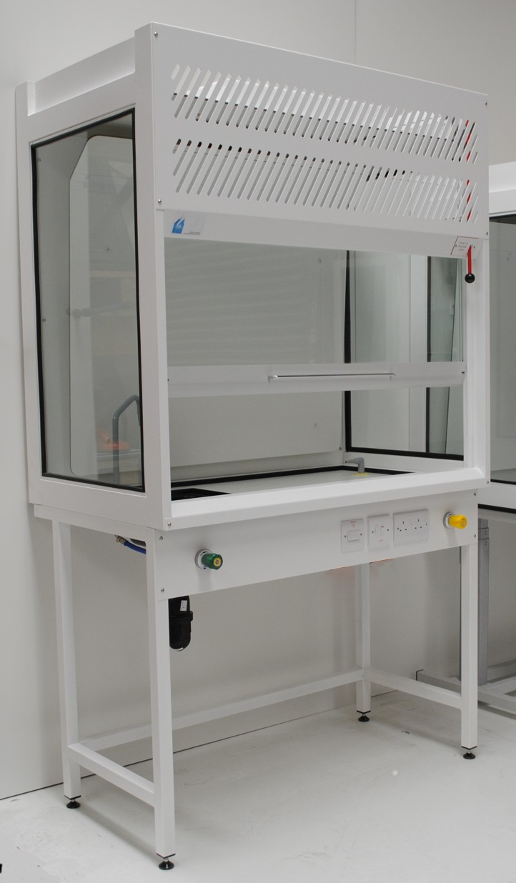 Academia fume cupboard for schools